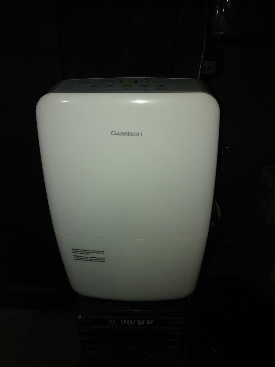 Dehumidifier 1.jpg