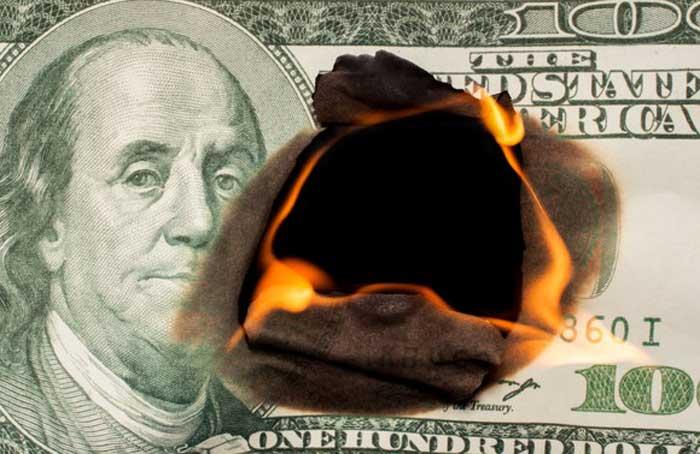 Cash_Burning_-_Getty_Images.jpg