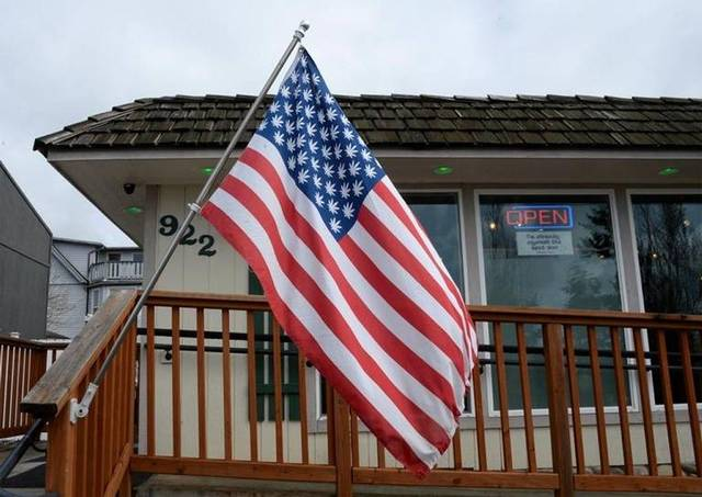 Marijuana_Stars_Flag_-_Philip_A_Dwyer_-_The_Bellingham_Herald.jpg