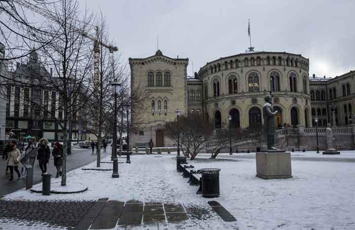 Norwegian_Parliament_-_Fredrik_Bjerknes.jpg