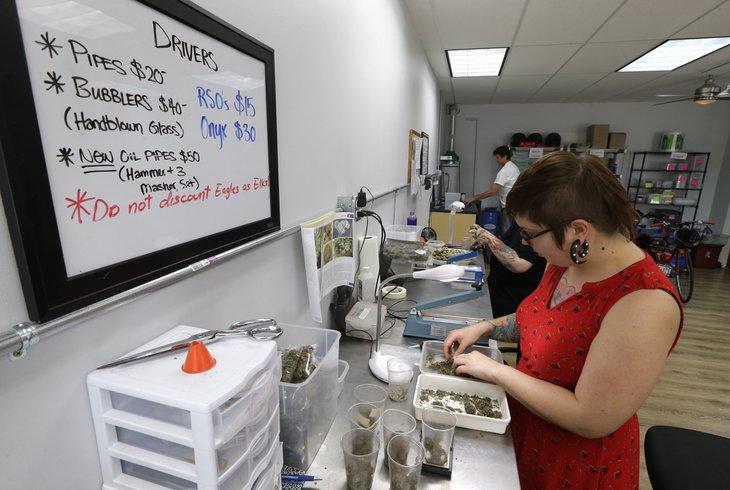 Oregon city removes ban on new medical pot shops for Michaels craft store salem oregon
