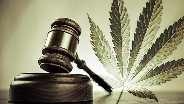 marijuana_legal_gavel.jpg