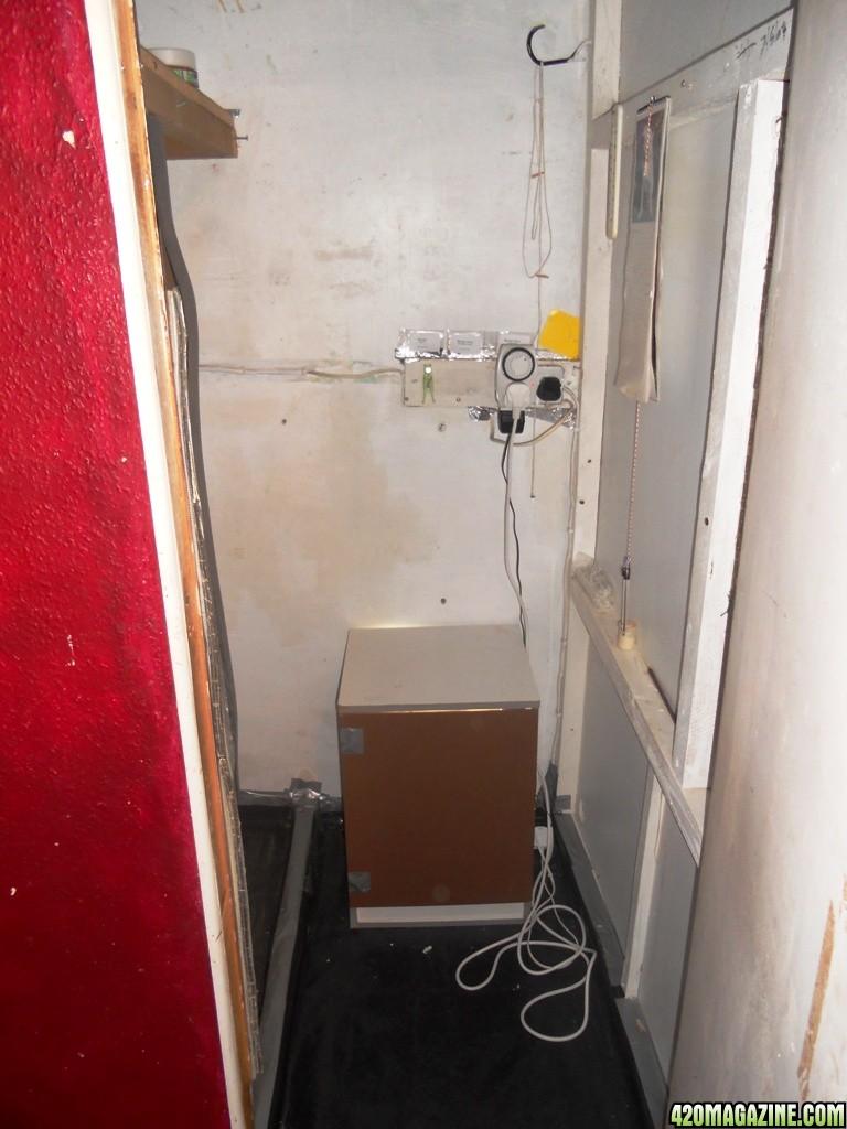 Inside_cupboard_1.jpg
