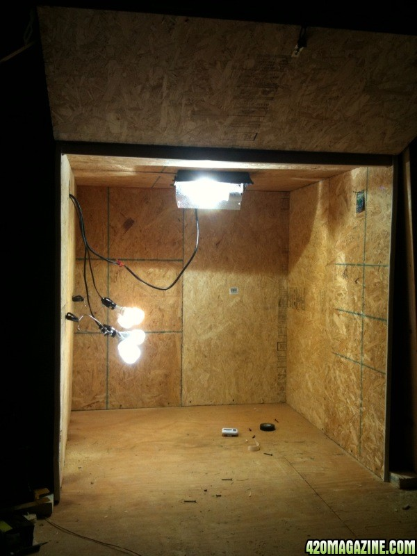 Grow Room Setup: First Timer 4x4 DIY