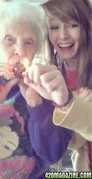 Grandma_Grand_daughter1.jpg
